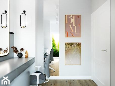Aranżacje wnętrz - Biuro: Projekt gabinetu w domku szeregowym - Aneta Talarczyk Pracownia Projektowa. Przeglądaj, dodawaj i zapisuj najlepsze zdjęcia, pomysły i inspiracje designerskie. W bazie mamy już prawie milion fotografii!