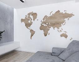 Mapa+drewniana+wisz%C4%85ca+na+dystansach+-+zdj%C4%99cie+od+Aneta+Talarczyk+Pracownia+Projektowa