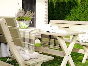 Zestaw mebli ogrodowych w stylu prowansalskim - zdjęcie od Modo24.pl