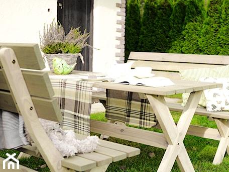 Aranżacje wnętrz - Ogród: Zestaw mebli ogrodowych w stylu prowansalskim - Modo24.pl. Przeglądaj, dodawaj i zapisuj najlepsze zdjęcia, pomysły i inspiracje designerskie. W bazie mamy już prawie milion fotografii!