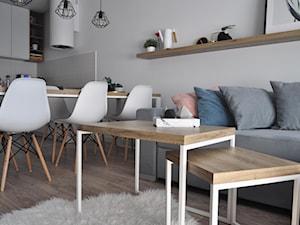 Stoliki / Stelaże pod stoliki