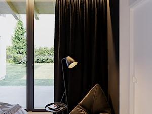 BOLONIA - Mała biała czarna sypialnia małżeńska, styl nowoczesny - zdjęcie od ARCHIWYTWÓRNIA Tomek Pytel