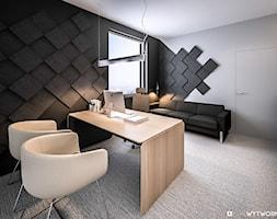 STEO - Średnie czarne szare biuro domowe kącik do pracy w pokoju, styl nowoczesny - zdjęcie od ARCHIWYTWÓRNIA Tomek Pytel
