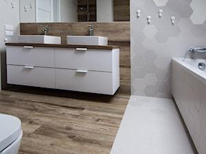 łazienka na poddaszu - zdjęcie od Areta Keller