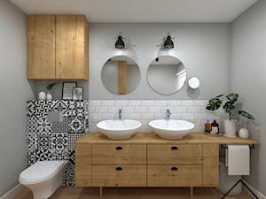 Łazienka w domu z bali - Średnia biała szara łazienka z oknem, styl skandynawski - zdjęcie od KRU design