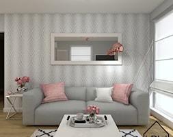 Salon z aneksem kuchennym - Mały szary salon, styl glamour - zdjęcie od KRU design