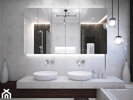 Aranżacje wnętrz - Łazienka: Łazienki w domu jednorodzinnym - Średnia biała czarna łazienka, styl glamour - Taki Projekt. Przeglądaj, dodawaj i zapisuj najlepsze zdjęcia, pomysły i inspiracje designerskie. W bazie mamy już prawie milion fotografii!