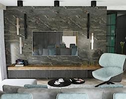 Salon w odsłonie czerni, bieli i drewna - zdjęcie od CZYSTA FORMA