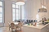 salon w stylu francuskich kamienic