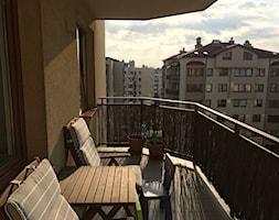 mieszkanie_ryzowa - Mały taras z tyłu domu - zdjęcie od pkoziej
