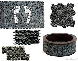 Kolekcja czarnych otoczaków na siatce. - zdjęcie od Lux4home™ - Homebook
