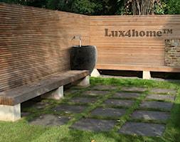 Stojąca umywalka kamienna - kamień rzeczny polny - zdjęcie od Lux4home™ - Homebook