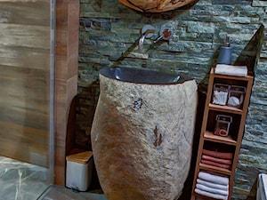 Stojąca umywalka z kamienia otoczaka - kamienia polnego