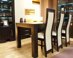 KOLEKCJA BARCELONA - Mała otwarta szara jadalnia w salonie, styl tradycyjny - zdjęcie od TC MEBLE
