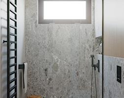 Dom w Grabinie - Łazienka, styl minimalistyczny - zdjęcie od Szkic Design - Projektowanie wnętrz - Homebook