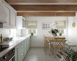 Rustykalny dom pod Zittau - Duża zamknięta biała kuchnia jednorzędowa z oknem, styl rustykalny - zdjęcie od Beata Szczudrawa projektowanie wnętrz