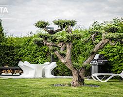 Nowoczesny ogród z paleniskiem - zdjęcie od Paleniska Ogrodowe - HETTA Supply