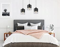 Nowoczesna sypialnia z wyjątkową lampą od LightHome - zdjęcie od LightHome - Homebook