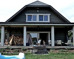 Dom - Średni taras z przodu domu z tyłu domu, styl eklektyczny - zdjęcie od Julia Rozumek