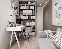 P_03_2018_KATOWICE - Małe beżowe szare biuro kącik do pracy w pokoju, styl nowoczesny - zdjęcie od KREOWNIA studio projektowe