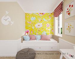 projekt pokoju dla dziewczynki - Mały biały brązowy pokój dziecka dla chłopca dla dziewczynki dla ucznia dla malucha, styl nowojorski - zdjęcie od Aniela Zdanowicz Projekt od A do Z