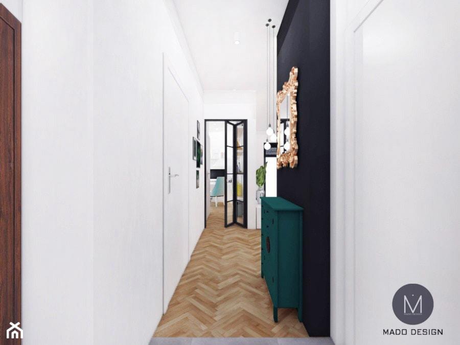 PROJEKT MIESZKANIA / KRAKÓW - Mały biały czarny hol / przedpokój, styl industrialny - zdjęcie od MADO DESIGN Projekty Wnętrz - Kraków