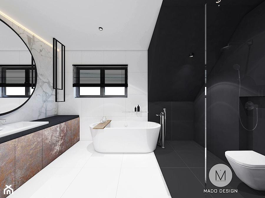 PROJEKT ŁAZIENKI / LIBERTOW - Średnia biała czarna łazienka na poddaszu w bloku w domu jednorodzinnym z oknem, styl minimalistyczny - zdjęcie od MADO DESIGN Projekty Wnętrz - Kraków