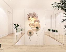 DOM W OKOCIMIU / klatka schodowa + WC - Hol / przedpokój, styl skandynawski - zdjęcie od MADO DESIGN - Homebook