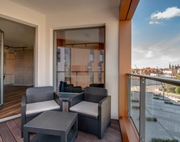 BraBank Apartments - Mały taras z przodu domu z tyłu domu - zdjęcie od Aleksandra Zaremba