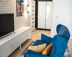 Mieszkanie z widokiem na most Grunwaldzki we Wrocławiu - Salon, styl industrialny - zdjęcie od Strzelecka Design - Homebook