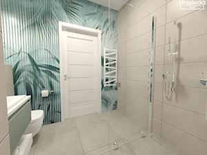 Gościnna Łazienka z wiosenną tapetą - Średnia łazienka w bloku w domu jednorodzinnym bez okna, styl minimalistyczny - zdjęcie od Strzelecka Design