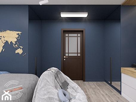 Aranżacje wnętrz - Pokój dziecka: Pokój dziecięcy TK - Średni niebieski pokój dziecka dla chłopca dla nastolatka, styl minimalistyczny - Retro Studio. Przeglądaj, dodawaj i zapisuj najlepsze zdjęcia, pomysły i inspiracje designerskie. W bazie mamy już prawie milion fotografii!