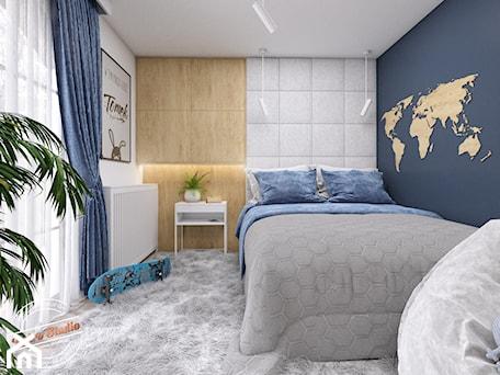 Aranżacje wnętrz - Pokój dziecka: Pokój dziecięcy TK - Średni biały niebieski pokój dziecka dla chłopca dla dziewczynki dla nastolatka ... - Retro Studio. Przeglądaj, dodawaj i zapisuj najlepsze zdjęcia, pomysły i inspiracje designerskie. W bazie mamy już prawie milion fotografii!
