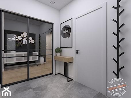 Aranżacje wnętrz - Hol / Przedpokój: Dom jednorodzinny NP - Hol / przedpokój, styl industrialny - Retro Studio. Przeglądaj, dodawaj i zapisuj najlepsze zdjęcia, pomysły i inspiracje designerskie. W bazie mamy już prawie milion fotografii!