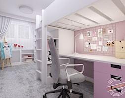 Mieszkanie 57 m2 - Średni biały różowy pokój dziecka dla dziewczynki dla ucznia dla nastolatka, styl skandynawski - zdjęcie od Retro Studio