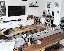 dom - Średni biały salon, styl eklektyczny - zdjęcie od beartposter