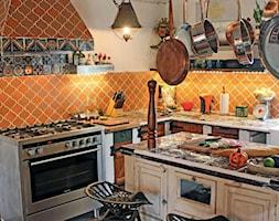 Płytki patchworkowe i terakota meksykańska w kuchni ❤️ - zdjęcie od Cerames - Homebook