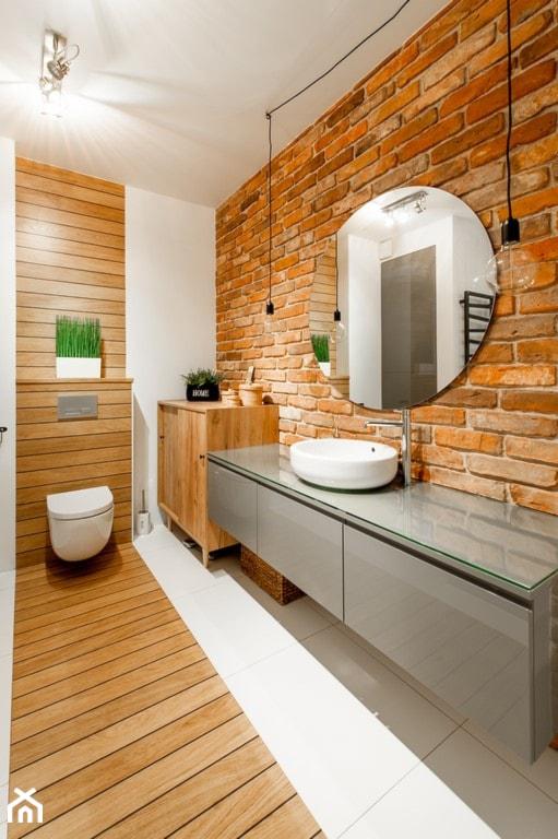 Moje mieszkanie - Duża biała beżowa łazienka w domu jednorodzinnym, styl skandynawski - zdjęcie od Mieszkanie to wyzwanie - Homebook