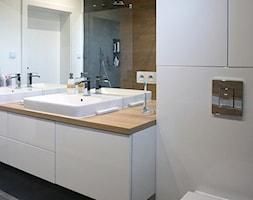 Łazienka z połączoną strefą kąpielową - zdjęcie od Katrilo Projektowanie wnętrz - Homebook