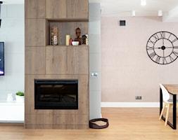 Realizacja dom jednorodzinny - Średni szary salon z jadalnią - zdjęcie od Katrilo Projektowanie wnętrz - Homebook
