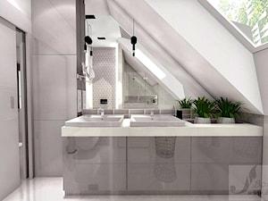DOM W GŁOGOWIE - Średnia biała łazienka na poddaszu w domu jednorodzinnym z oknem, styl glamour - zdjęcie od Boskie Wnetrza i Ty