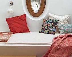 willa w Krakowie - Mały biały pokój dziecka dla chłopca dla dziewczynki dla malucha dla nastolatka, styl eklektyczny - zdjęcie od double look design