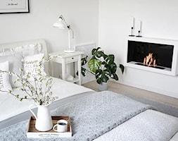 SYPIALNIA - Mała biała sypialnia małżeńska - zdjęcie od tam_i_tu