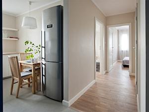 Mieszkanie do wynajęcia_Poznań - Średni beżowy hol / przedpokój, styl skandynawski - zdjęcie od re-ARCH Home Staging