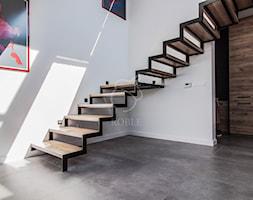 Schody samonośne na konstrukcji stalowej - zdjęcie od Roble