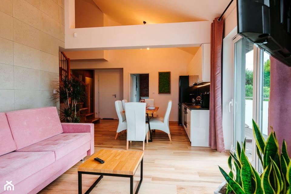 Apartamend nad morzem 85m2 - Średni biały salon z kuchnią z jadalnią, styl nowoczesny - zdjęcie od IDS projektowanie wnętrz - Homebook