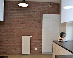 Dom w Rumi, 140m2 - Mała otwarta biała kuchnia w kształcie litery l, styl skandynawski - zdjęcie od IDS projektowanie wnętrz - Homebook