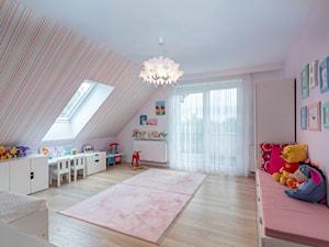 Baltazar - Duży różowy kolorowy pokój dziecka dla dziewczynki dla ucznia dla malucha dla nastolatka - zdjęcie od MarcinLitwa