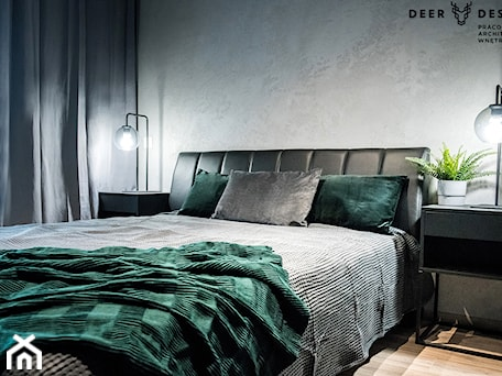 Aranżacje wnętrz - Sypialnia: Siła szarości - Średnia szara sypialnia małżeńska, styl minimalistyczny - Deer Design. Przeglądaj, dodawaj i zapisuj najlepsze zdjęcia, pomysły i inspiracje designerskie. W bazie mamy już prawie milion fotografii!
