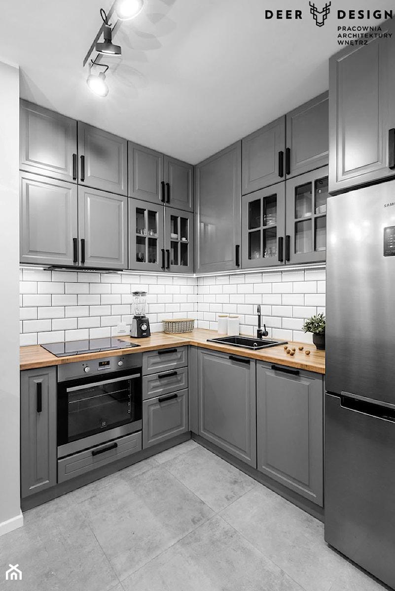 Przytulnie na Żoliborzu - Mała otwarta szara kuchnia w kształcie litery l w aneksie, styl skandynawski - zdjęcie od Deer Design
